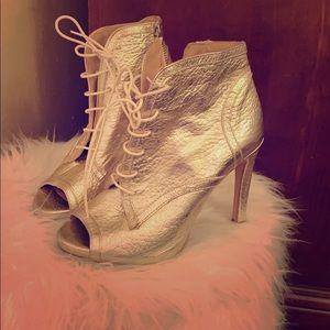 Lace up boot heels Zara!!